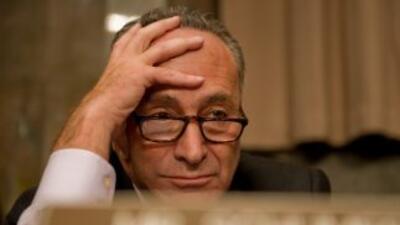 El Senador Cherles Schumer lidera en el Congreso un tímido esfuerzo bipa...