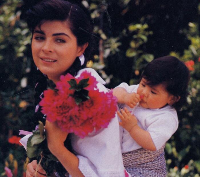La novia de José Eduardo Derbez es súper fan de Victoria Ruffo ADYCA18.jpg