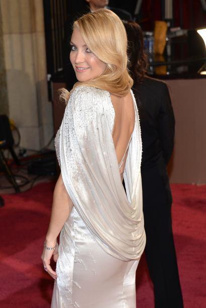 Kate acudió a la premiación del Oscar con este vestido que detalla su ci...