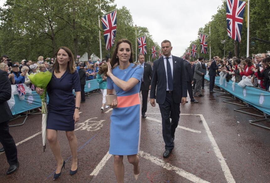 Los 50 mejores vestidos que usó Kate Middleton en 2016 GettyImages-53956...