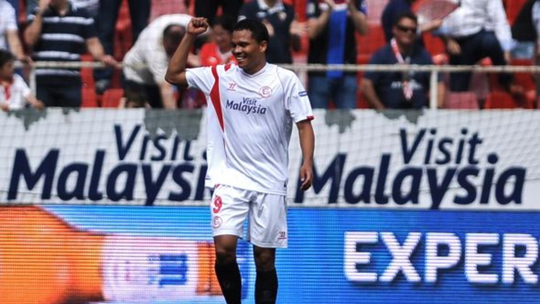 El colombiano Carlos Bacca celebra su gol ante Bilbao.