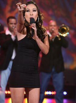 Nacida en LA, California, Yolanda ganó a los 11 años un concurso de tale...