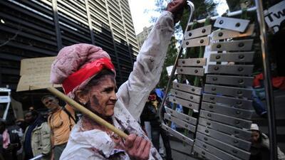 El movimiento de Occupy Wall Street en el sur de Manhattan cumplió un me...