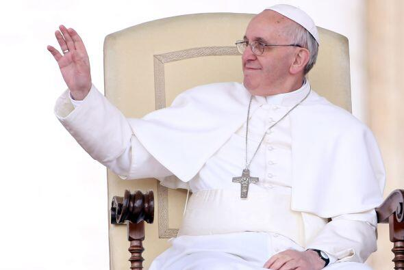 El papa Francisco envió a Argentina 50 mil dólares para que sean destina...