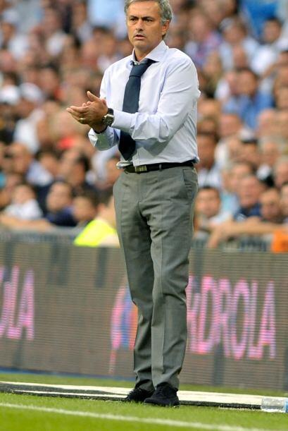 José Mourinho aplaudía a sus dirigidos.