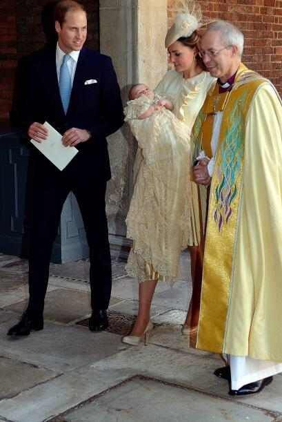El hijo de los Duques de Cambridge recibe la atención del mundo e...
