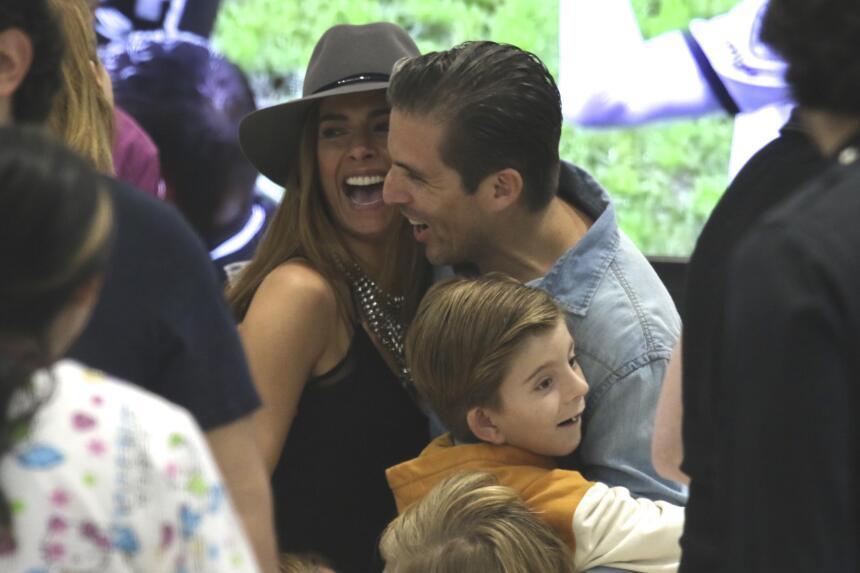 Galilea Montijo con su hijo Mateo y su esposo Fernando Reina