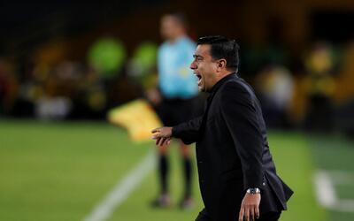 César Farías, en un partido de The Strongest en la Copa Li...