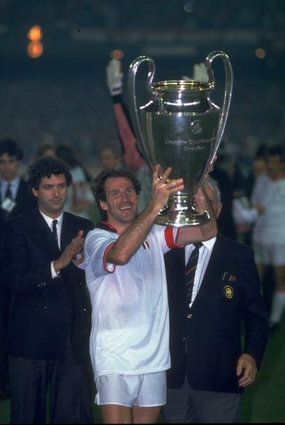 En 1990 se repitió el campeón. Milan era una máquina de fútbol y culminó...