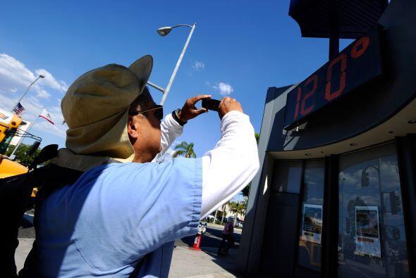 California LifeLine es un programa que ayuda a los consumidores a bajar...