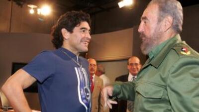 Esta es una imagen de Maradona y Castro en el 2005.