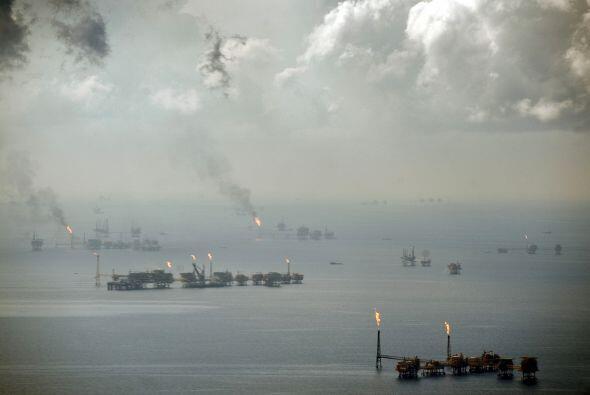 Parte de ese petróleo en las profundidades podría estar asentándose en u...