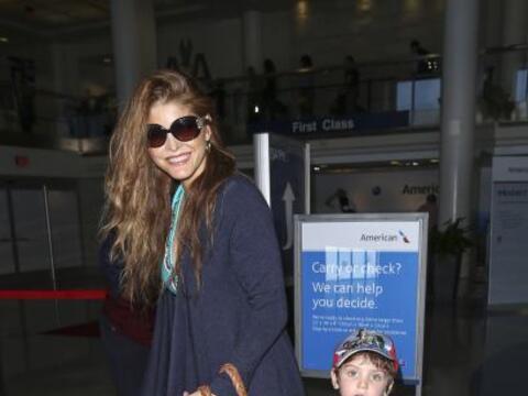 La cantante Ana Bárbara cada vez se mira más enamorada.