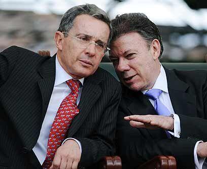 Polémica con UribeEn el gobierno del presidente saliente, Juan Manuel Sa...