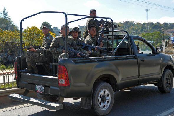 """A juicio de Colom, Guatemala, El Salvador y Honduras no tendrán """"problem..."""