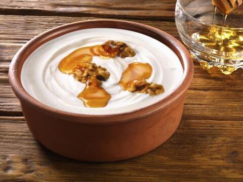 No solo para comer. El yogur también sería un buen exfolia...