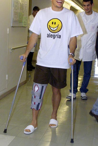 Un joven y delgado Ronaldo en terapia en el hospital Pitie-Salpetriere d...