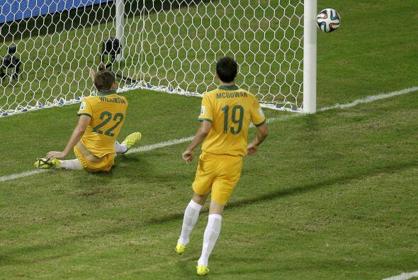 Cuando corría el minuto 61', Vargas estuvo a punto de marcar el tercero...