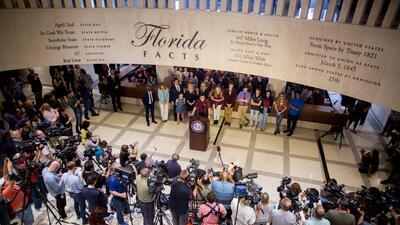 El clamor por el control de las armas de los sobrevivientes del tiroteo de Parkland en la capital de Florida (fotos)
