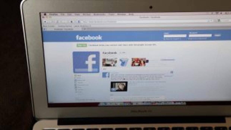 Facebook y Twitter se han convertido actualmente en los medios ideales p...