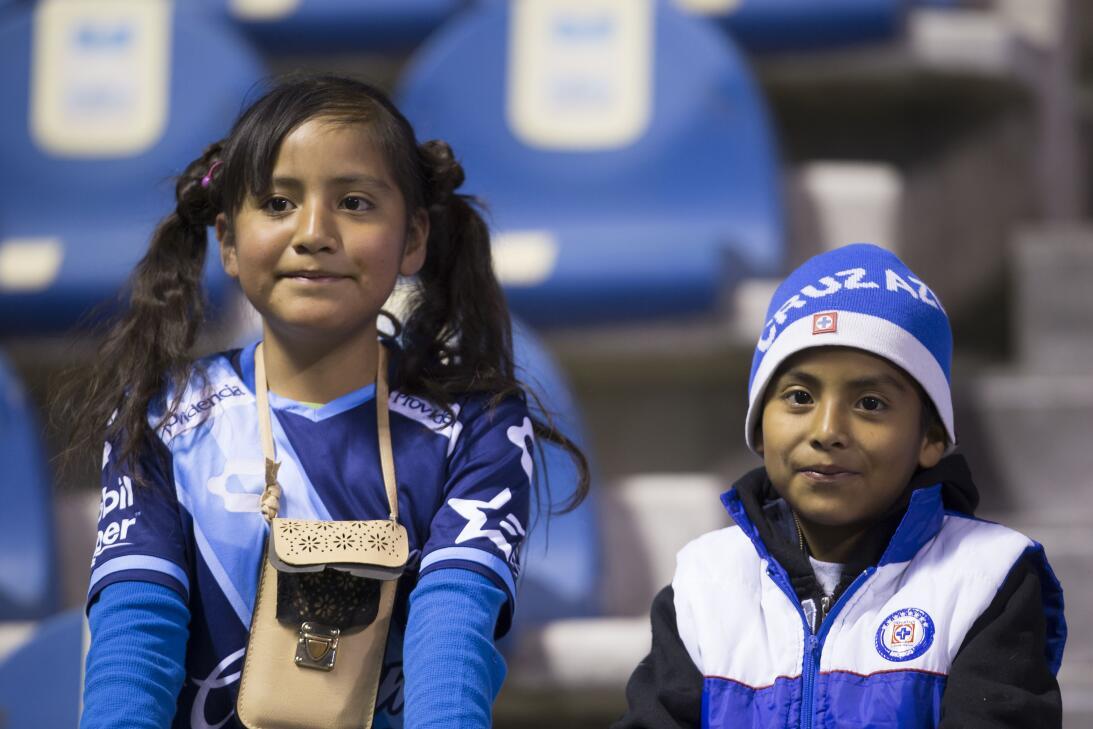 Porristas y fanáticos de Cruz Azul y Atlas en Copa MX 20180207-2293.jpg