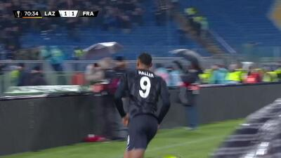 ¡GOOOL! Sébastien Haller anota para Eintracht Frankfurt