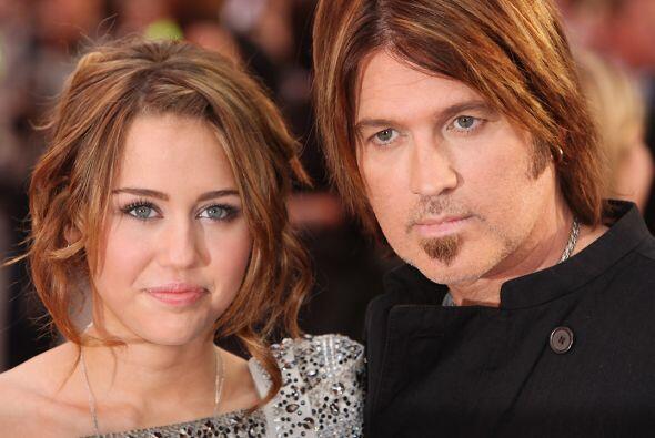 Hace unas semanas el padre de Miley le aconsejó que se olvidara d...