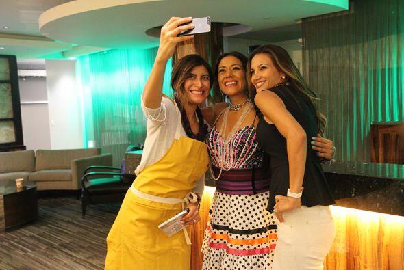 La selfie no puede faltar.  Bricia Lopez de la Guelaguetza, Lila Downs y...