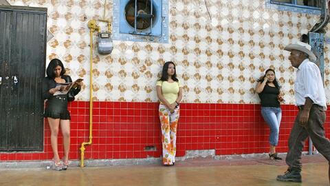 La calle Coahuila en la Zona Norte de Tijuana es conocida por su oferta...