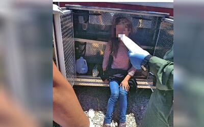 Univision Arizona Inicio Inmigrante rescatada del compartimiento de una...
