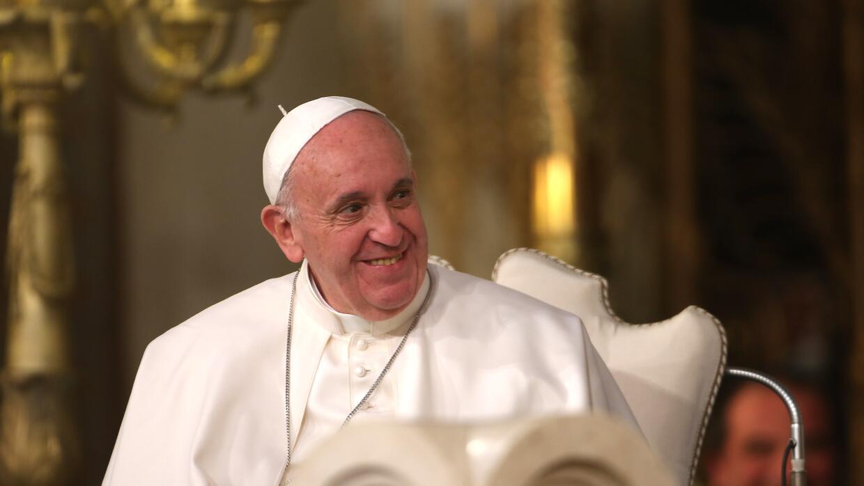 Papa Francisco firma decreto para canonizar a joven mexicano.