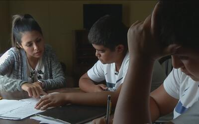 El constante traslado de familias indocumentadas repercute en la educaci...