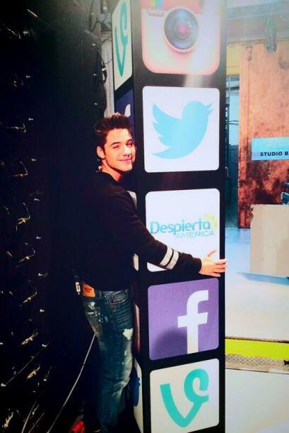 """""""#abrazosgratis para todos los que me siguen en la redes sociales..."""", d..."""