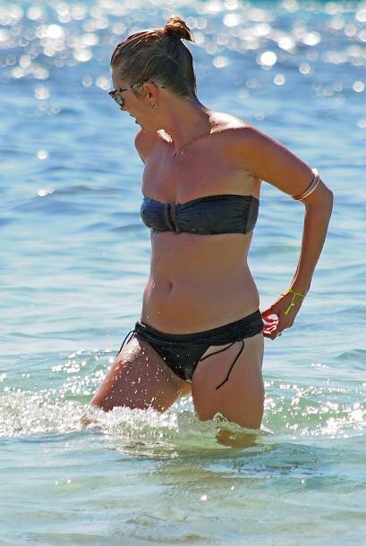 Kate Moss sigue teniendo todo en su lugar, por lo que incluso se atreve...