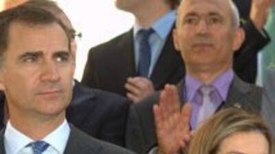 Los nuevos monarcas de España se reunieron con víctimas del terrorismo e...