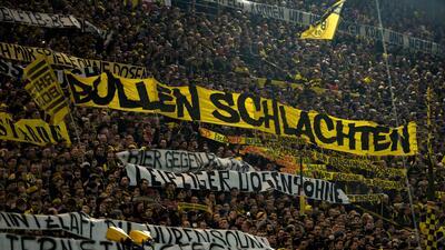 """Cuando """"La Muralla Amarilla"""" del Dortmund estalló en cólera"""