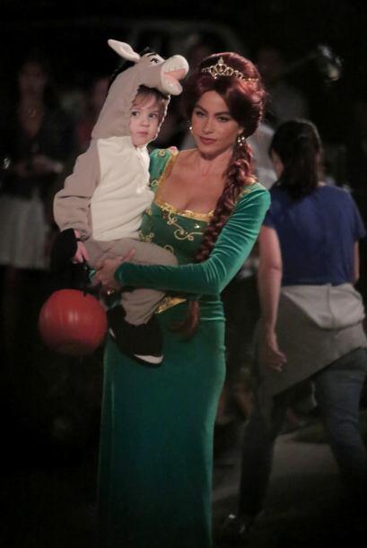 Vergara cargó a un lindo bebé, la verdad es que verla de nueva cuenta de...