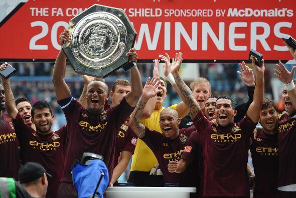 Pero faltaba la Community Shield, el trofeo que disputan el ganador de l...
