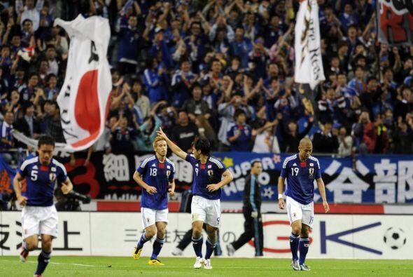 El único gol del partido lo marcó el delantero Okazaki, aprovechando un...