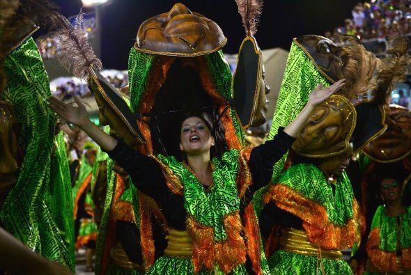La Danza del Paloteo, también de origen guerrero y ancestro europeo, esc...