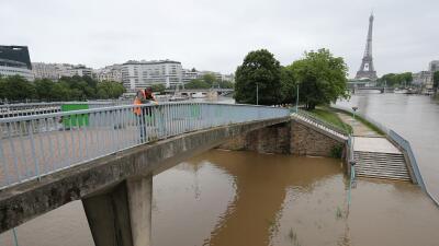 París afronta la peor crecida del río Sena en décadas