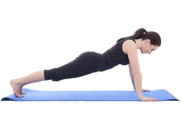 Realiza este 'workout' por 10 a 15 minutos, dedicándole 20 a 30 segundos...