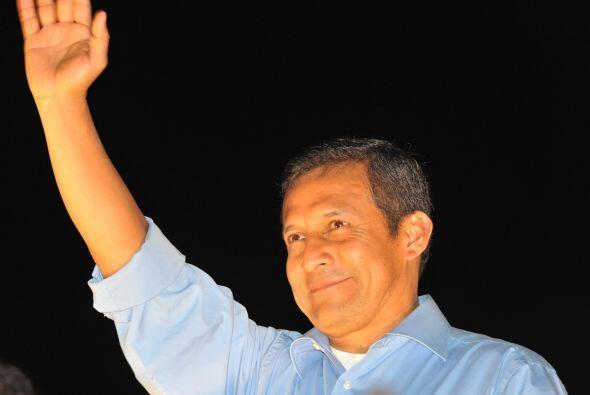 Humala proclamó y festejó su victoria de 28,8% de los votos peruanos.