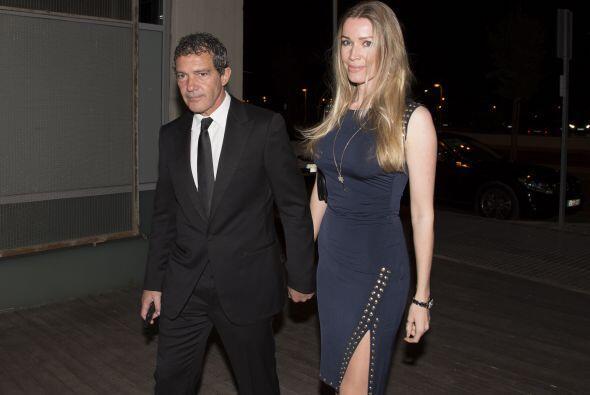 El actor español llevó a Nicole a la gala de su fundación en Málaga, Esp...