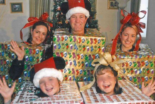 Y en esta otra, a Santa le robaron los juguetes... Fotos por Twitter ¿Qu...