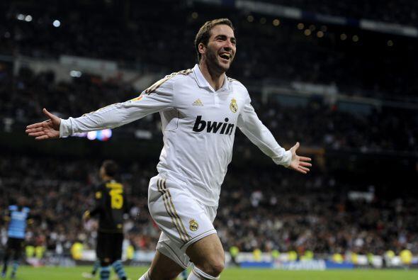 Gonzalo Higuaín marcó el tercer tanto para los locales.