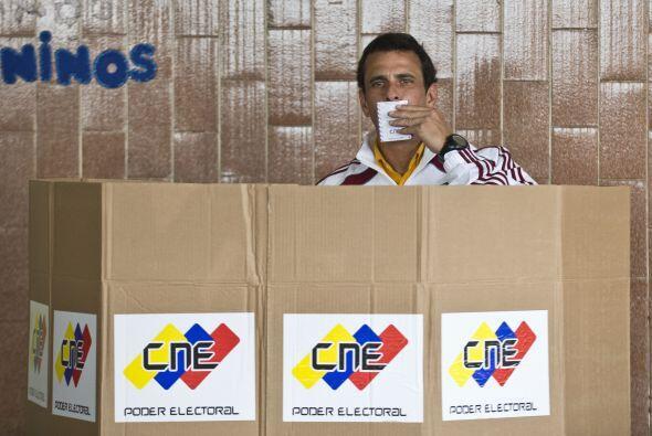 Capriles y el candidato oficialista, Nicolás Maduro, son los principales...