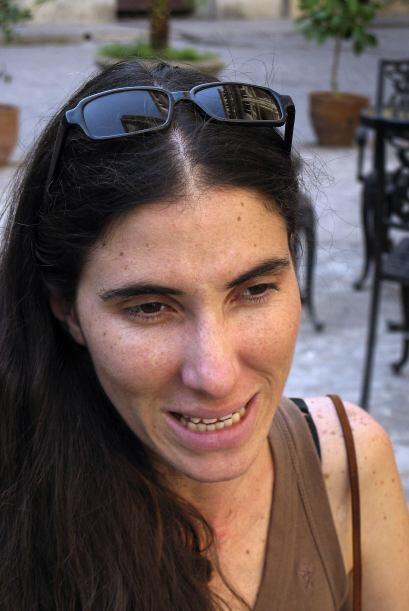 Sánchez dijo que otro bloguero que logró acceso a Internet...