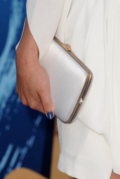 Pero en su lugar optó por esta cartera de mano, la cual estaba divina, p...