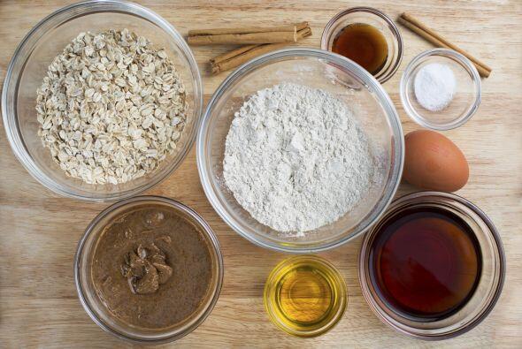 Agrega la cucharadita de extracto de vainilla y la pasta de 'adzuki'. Ba...